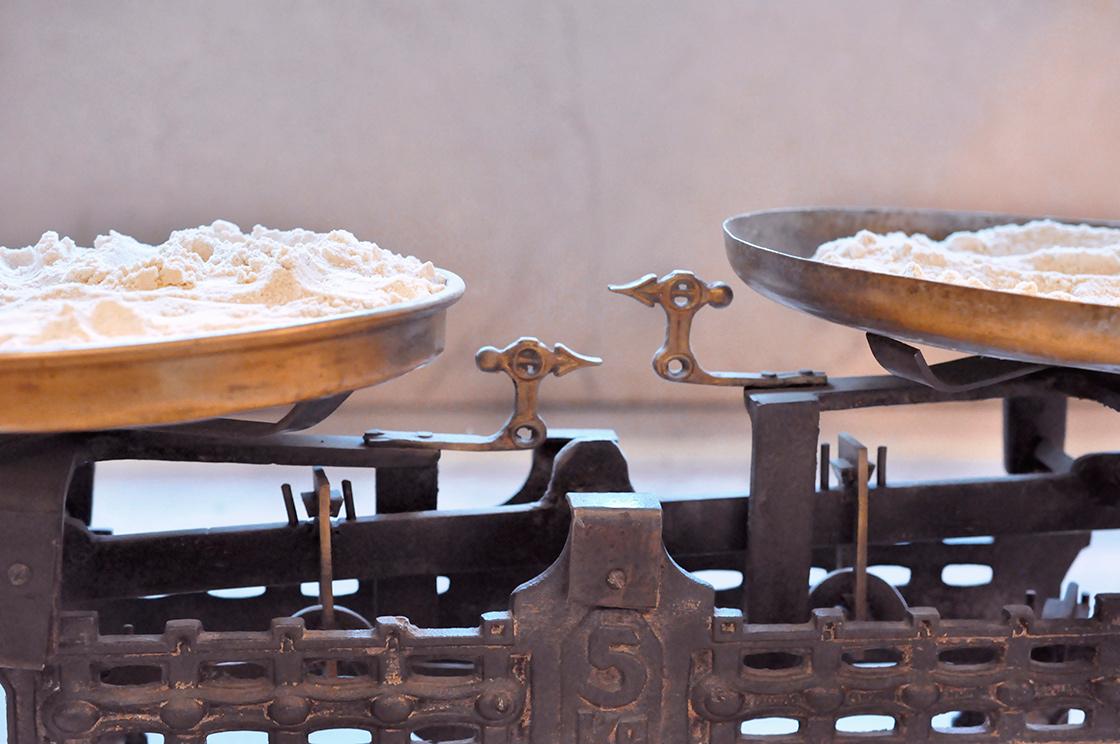 harina para elaborar masa madre de la panaderia Quadra Panis en Madrid
